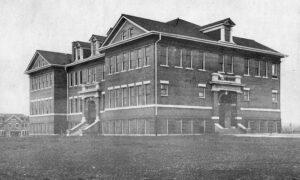Old Main in 1917